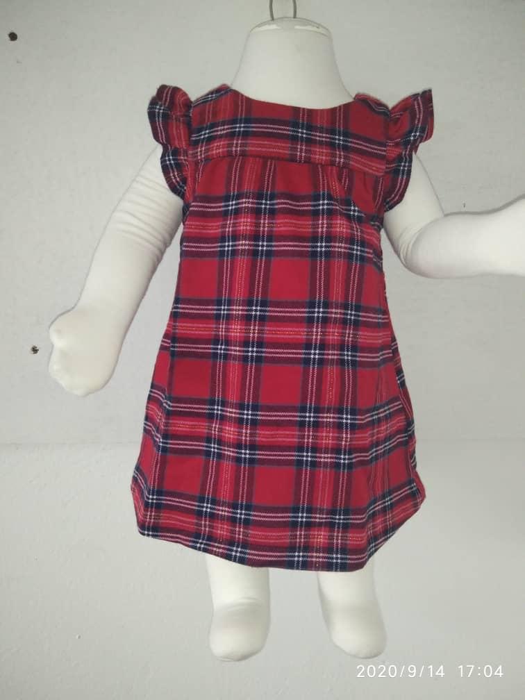 Robe rouge carrelée  pour fillette de 3  mois